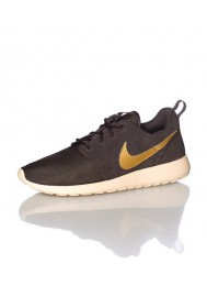 Men Nike Rosherun Suede Brown (Ref: 685280-273) Running